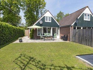 Luxe bungalow geschikt voor 6 personen. 1 km verwijderd van het strand/centrum.