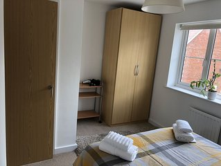 Wells Terraced House -Nice Level Walk to City Centre