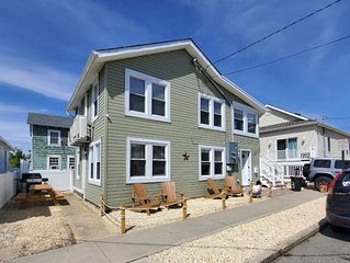 3 BDR 1BTH 400 ft from the beach and boardwalk. Perfect for family and friends.