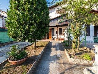 Elegante villetta trilocale con due bagni, clima e ampio patio con barbecue
