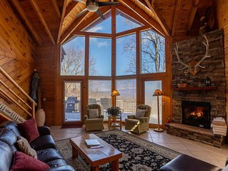 Misty Peak - Log cabin privately located but conveniently located to Boone.