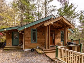 Peace of Mind - Pet Friendly Mountain Home, 2-sided Fireplace. 15 minutes to Boo