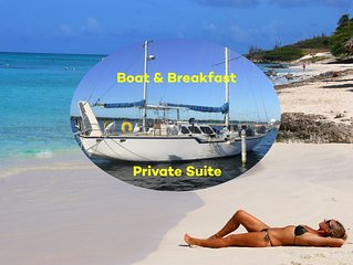 Private Suite on board a large sail boat - Continental Breakfast included