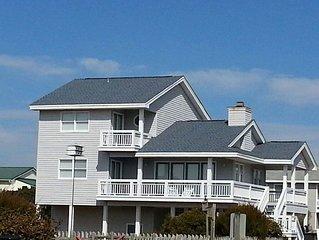 Just Steps to the Beach! Come enjoy Holden Beach, clean 4 BD 3 Bath home