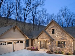 Upscale Vacation Home, Mtn. top community, near Hendersonville and Asheville