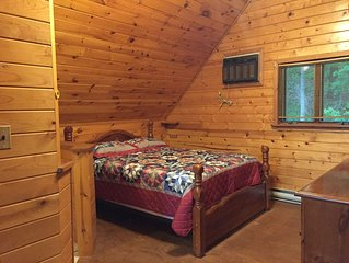 Rustic Cabin in the Woods Close to Raystown Lake - DOG Friendly