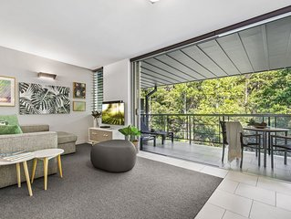 Lush Rainforest Retreat, Stroll to Hastings Street