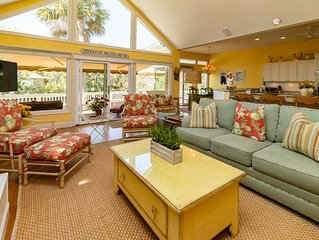 Charming Home with Majestic Lagoon View. Absolute Paradise!