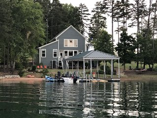 Clemson/Lake Keowee Vacation Home for Family, Friends and Football Fans!