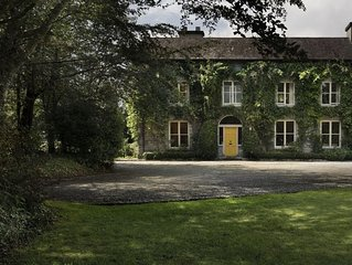 Award Winning Georgian Country House,Private Garden,Parking, 5min Walk Centre