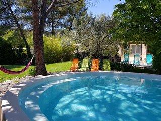 Provence au pied du Mont Ventoux, gite 1 a 6 personnes avec piscine chauffee