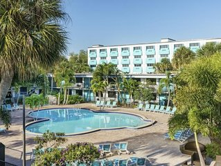 SPECIAL RATES! UNIVERSAL GETAWAY. 2 UNITS FOR 8 GUESTS! WATERPARK, SHUTTLE