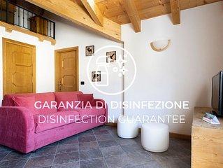 Luminoso e accogliente appartamento con Wi-Fi e parcheggio privato