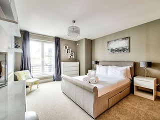 Modern 3 bed/2bath City Centre Apartment