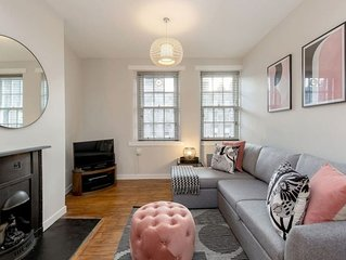 Unique & Stylish Grassmarket Apt - Close to Castle
