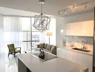 3 Months Minimun Stay  -Spiring Miami is a luxurious high-rise Condo .