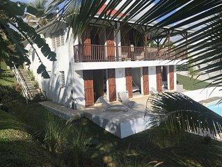 Tres belle villa pour 7 a 10 personnes avec piscine et vue mer