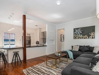 Paddington central . ★Paddington Central★ Sleeps 15, 400m Caxton street
