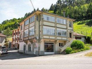 Vintage Apartment in Soto de Luiña near Caba Vidio