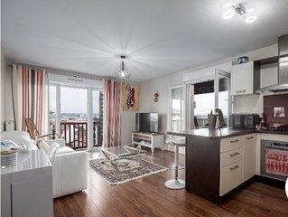 Appartement avec terrasse offrant une vue mer et montage à 10min de la plage