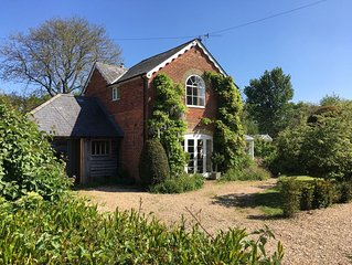 Country cottage set in a peaceful hamlet on the edge of the New Forest