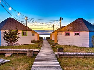 Newly renovated waterfront bungalow w/ king bed, kitchen, sunroom, deck,...