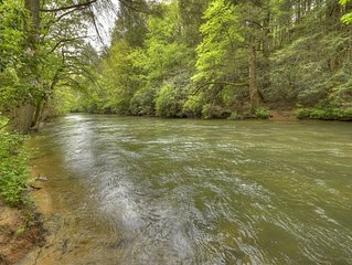 *Free Whitewater Rafting & Ziplining* Spacious & Secluded Cabin 7 Miles to Blue