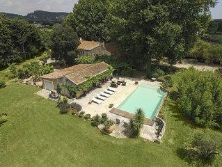 Mas provençal de 450m2 sur 1 hectare 500, piscine, 5 chambres, Classé 5 étoiles