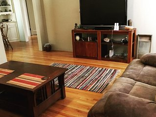 Comfortable Midtown One Bedroom apartment,