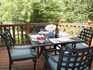 Summer Fun - No steps/AC, sleeps10-12,  Boyne Mtn  (near Lake Charlevoix)