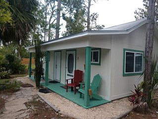 Charming Pet Friendly Cottage in Downtown Port St Joe