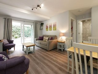 Self Catering Short Let Garden Apartment - Crewe - Cheshire