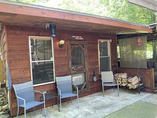Glamping/Tiny cabin with Chattahoochee River access