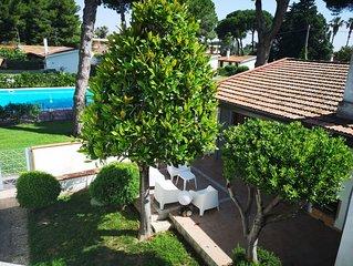 Villetta unifamiliare in parco privato 250 m dal mare con piscina condominiale