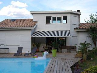 Villa familiale, au calme, proche Bordeaux et bassin d'Arcachon