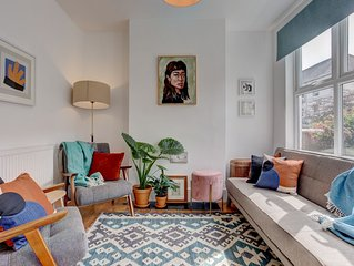 Ideal for contractors, discounted longer stays - Central trendy house with free