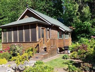 Mckenzie River Cabin * The Log Canin Inn