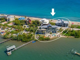 'Yin & Yang': 2-SideBySide Ocean-2-River Beach Houses: Pool, Hot tubs, Dock!
