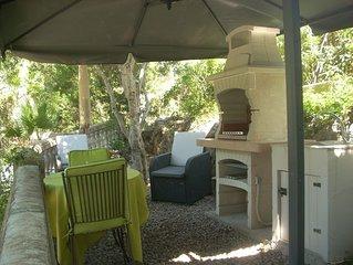 Chambre indépendante climatisée :   jardin, cuisine d'été , parking , piscine