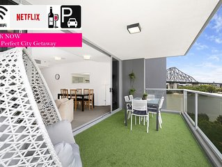 Family Getaway☆Lux 3 Bedroom Apartment☆Views☆WiFi☆Netflix☆Games☆CarPark