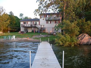 Lakefront 7-Bedroom Cottage