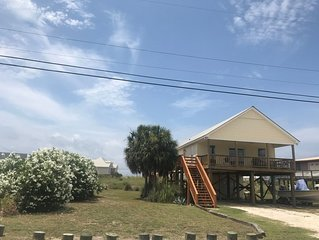 2 bed, 2 bath Dauphin Island water view home. sleeps 9
