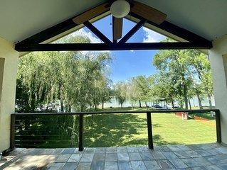 Modern Family Lakehouse on Lake Placid in Seguin, Texas