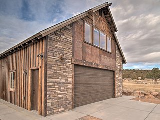 Custom Studio Apartment with Mountain Views and Garage Parking!