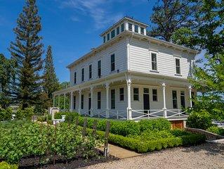 The Ink House - A Luxury Inn