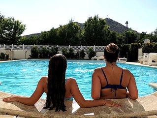 La Caletta , Appartamento con piscina a 300 mt dal mare