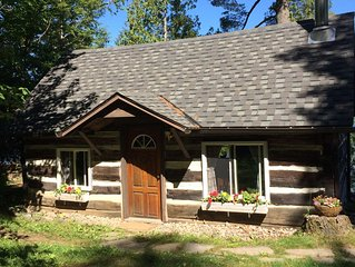 MUSKOKA HISTORIC LOG GUEST CABIN ON SKELETON LAKE