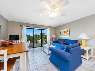 New! Lovely, updated condo * family-friendly resort w/2 pools, game room, WiFi!