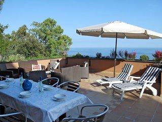 Ferienwohnung Le terrazze sul mare (VRA100) in Varazze - 8 Personen, 3 Schlafzim