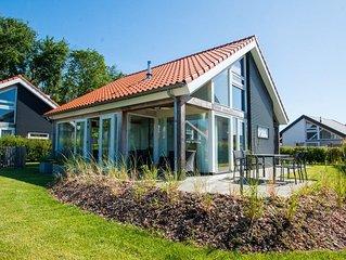 Zonnedorp 12 Ferienvilla in Strandnähe mit Unterhaltung